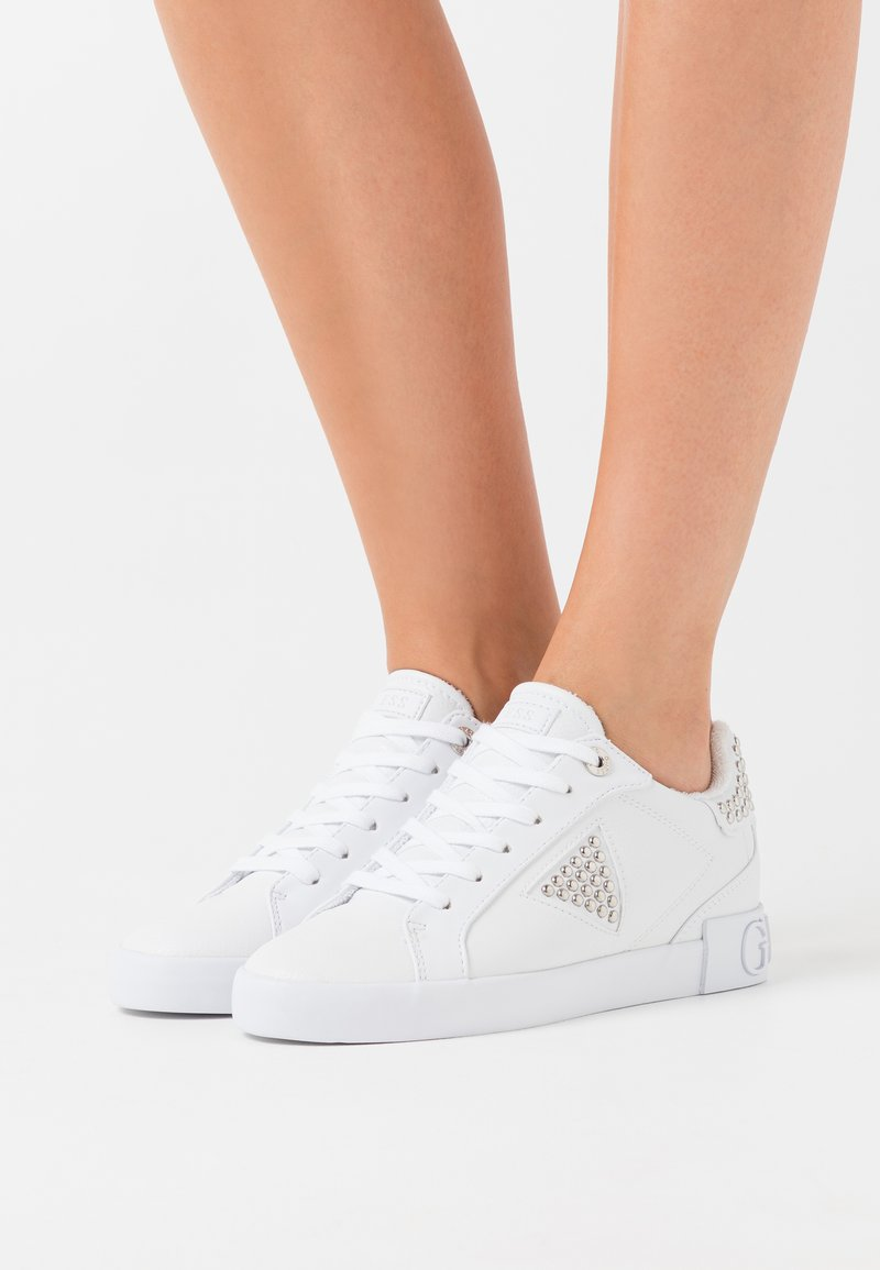 Guess - PAYSIN - Sneakers basse - white