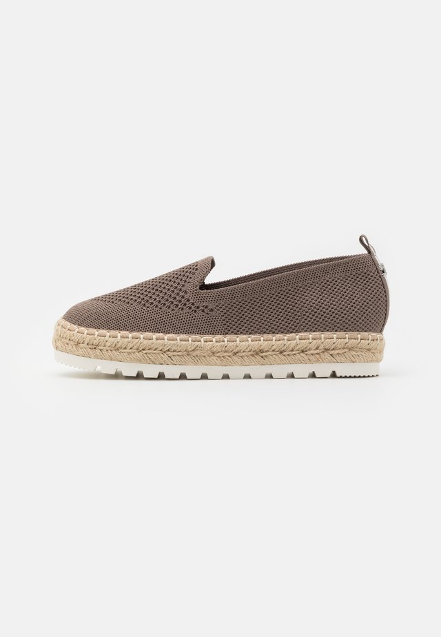 Loafers - khaki