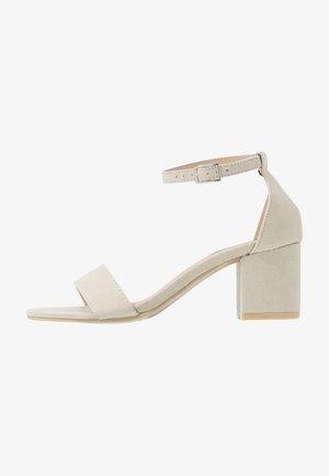 LOW BLOCK  - Sandalen met hoge hak - beige