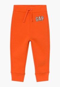 GAP - TODDLER BOY LOGO - Trousers - sport orange - 0