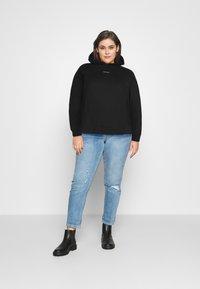 Calvin Klein Jeans Plus - PLUS MICRO BRANDING HOODIE - Hoodie - black - 1