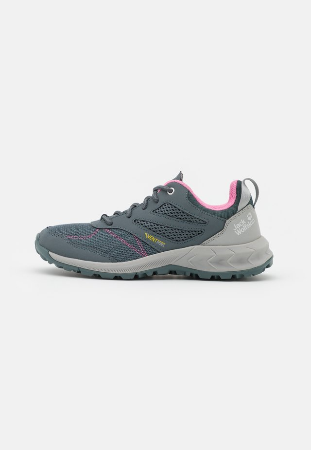 WOODLAND VENT LOW - Outdoorschoenen - grey/rose