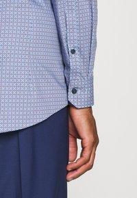 OLYMP No. Six - No. 6 - Koszula biznesowa - dunkelrot - 3