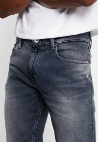 Tommy Jeans - RYAN  - Džíny Straight Fit - dark-blue denim - 4