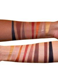 LH cosmetics - INFINITY DEEP PALETTE - Lidschattenpalette - multi-coloured - 1