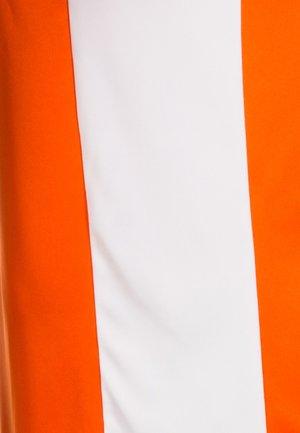 ENTRADA - Basic T-shirt - orange