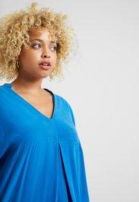 Live Unlimited London - MANDARIN COLLAR DRESS - Vapaa-ajan mekko - bright blue - 3