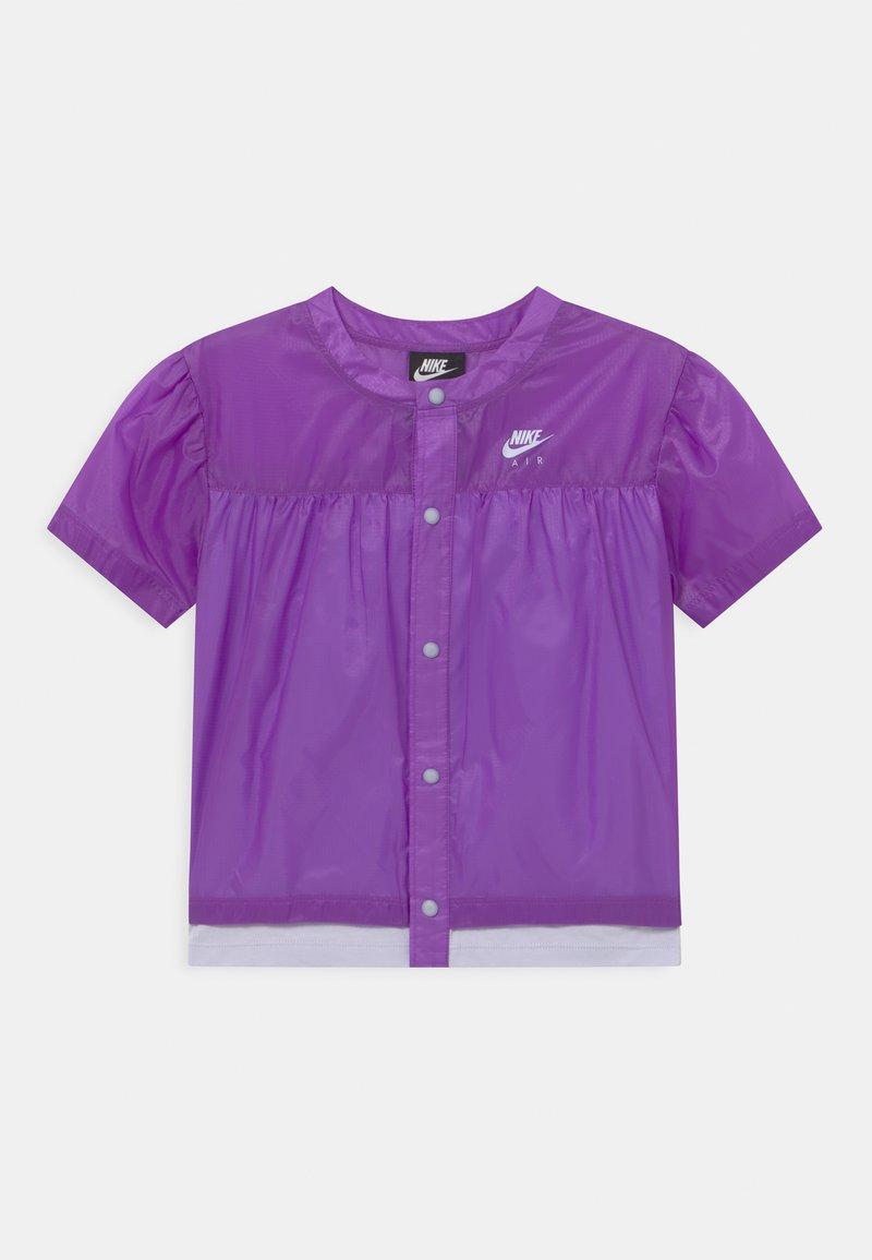 Nike Sportswear - AIR - Bluzka - wild berry/purple chalk