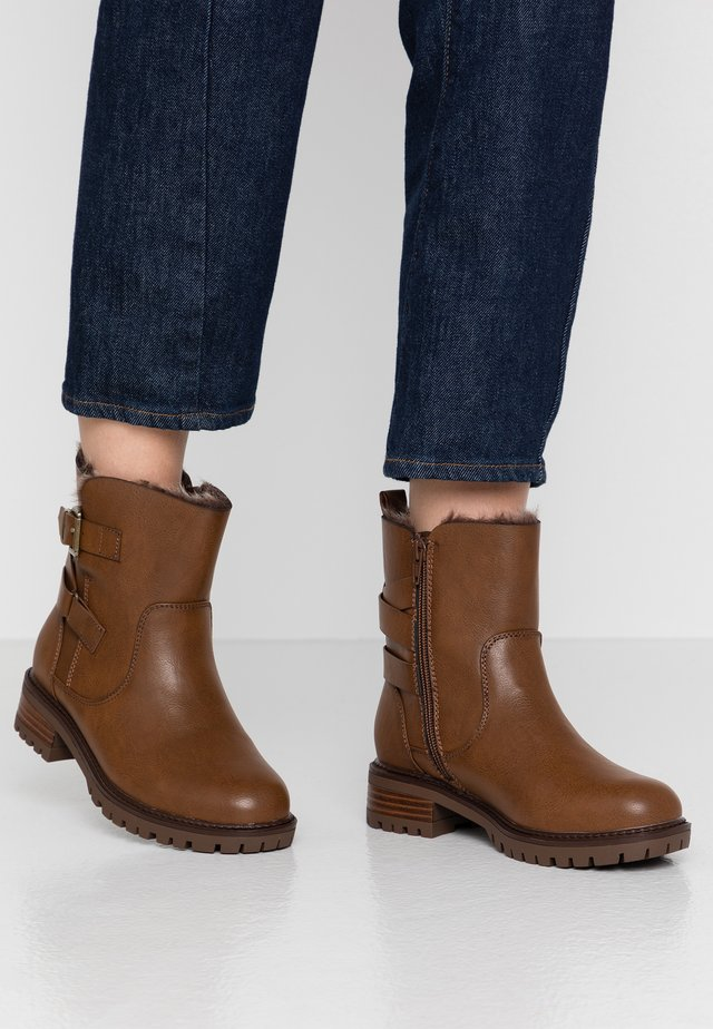 WIDE FIT ALOHA BACK BUCKLE - Classic ankle boots - brown