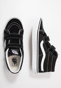 Vans - SK8-MID REISSUE - Zapatillas altas - black/true white - 0