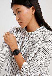 Casio - Digitální hodinky - schwarz - 1