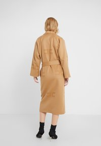Elisabetta Franchi - Classic coat - cammello - 2