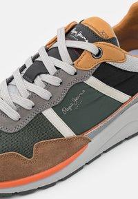 Pepe Jeans - X20 BASIC - Sneakers - cognac - 5