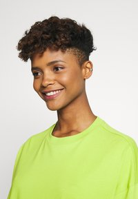 Monki - CISSI TEE  - T-shirts - lime green - 4