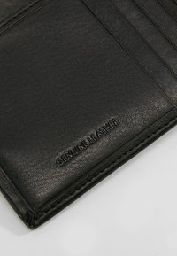 Guess - NEW BOSTON BILLFOLD COIN - Wallet - black - 6
