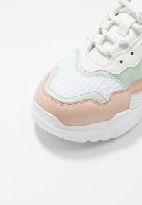 Miss Selfridge - TUCKER CHUNKY TRAINER - Sneakersy niskie - multicolor - 2