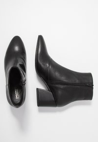 Vagabond - OLIVIA - Kotníkové boty - black - 3
