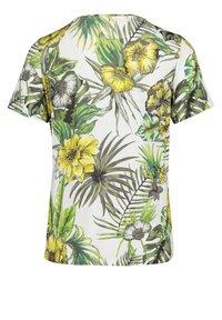 Betty Barclay - Print T-shirt - white/green - 3