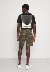 GAP - IN PRINTED - Shorts - khaki - 2