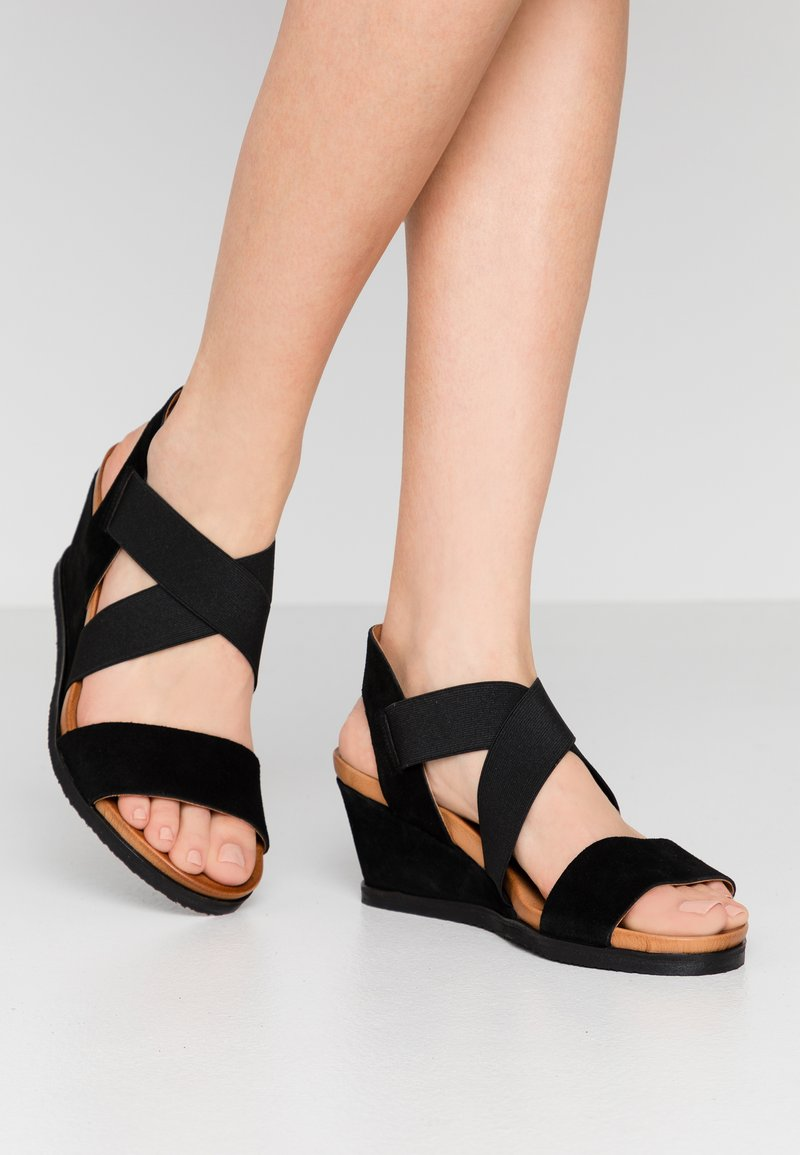 Bianco - BIACAILY CROSS  - Wedge sandals - black