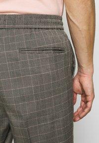 New Look - HAROLD TONAL CHECK PULL ON - Bukser - dark grey - 3