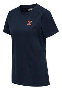 Hummel - Basic T-shirt - dark sapphire/fiesta - 1