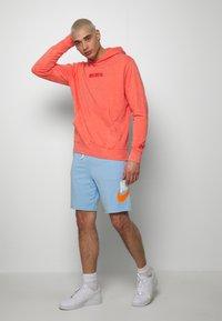 Nike Sportswear - HOODIE WASH - Luvtröja - magic ember - 1