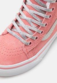 Vans - SK8 MTE - Vysoké tenisky - lamingo pink/holographic - 5