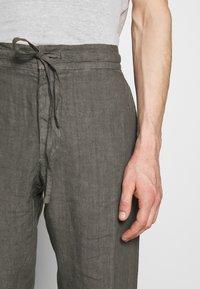 120% Lino - TROUSERS - Pantalon classique - elephant sof fade - 6