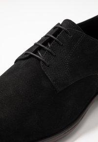 Vagabond - HARVEY - Smart lace-ups - black - 5