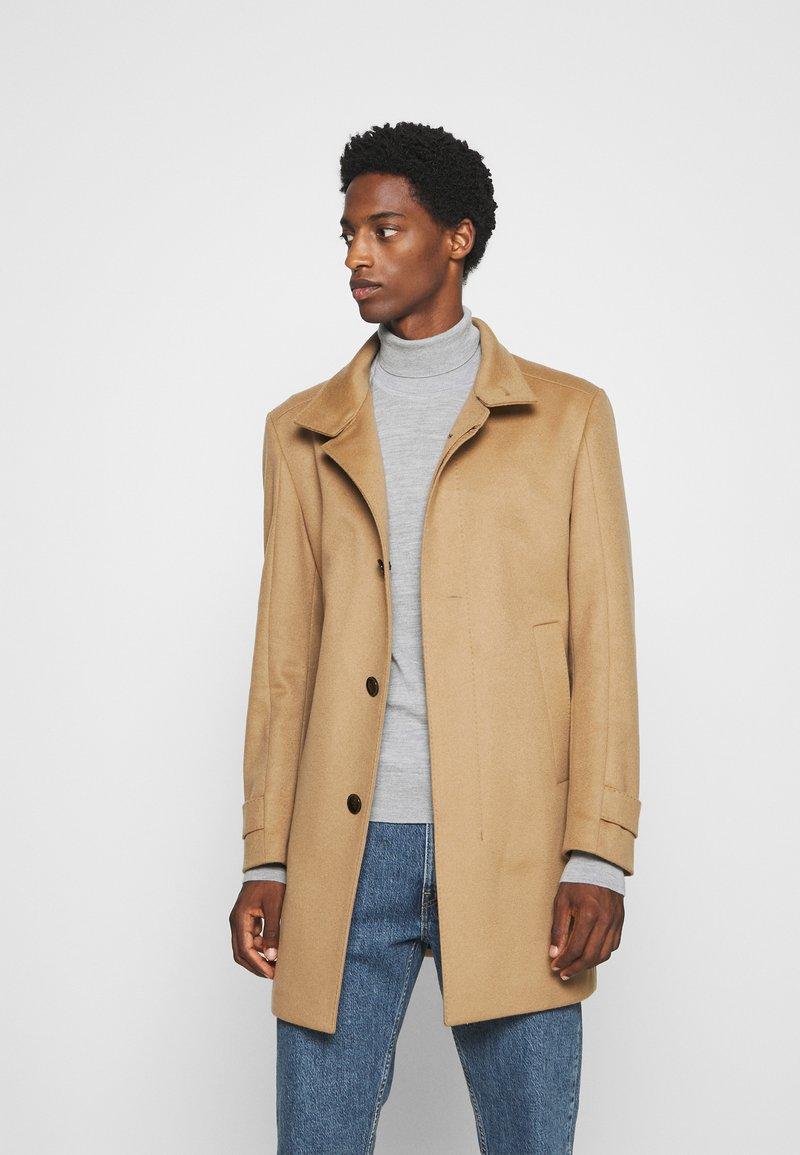 Strellson - NEW - Klasický kabát - camel