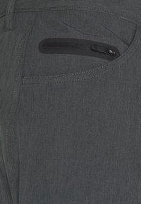 Fox Racing - MACHETE TECH SHORT  - Sports shorts - black - 2
