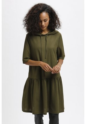 KAMAPLE - Jersey dress - grape leaf