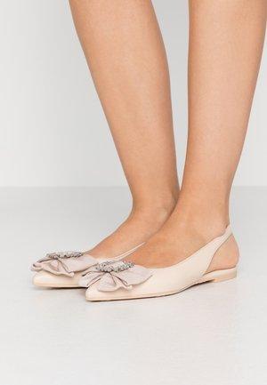 Ballerina med hælstøtte - delios