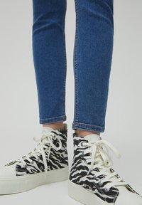 PULL&BEAR - Jeans Skinny Fit - blue - 5