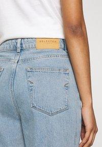 Selected Femme - MOM - Straight leg jeans - light blue denim - 5