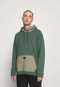 adidas Originals - UTILITY HOODY - Sweatshirt - green oxide/clay - 0
