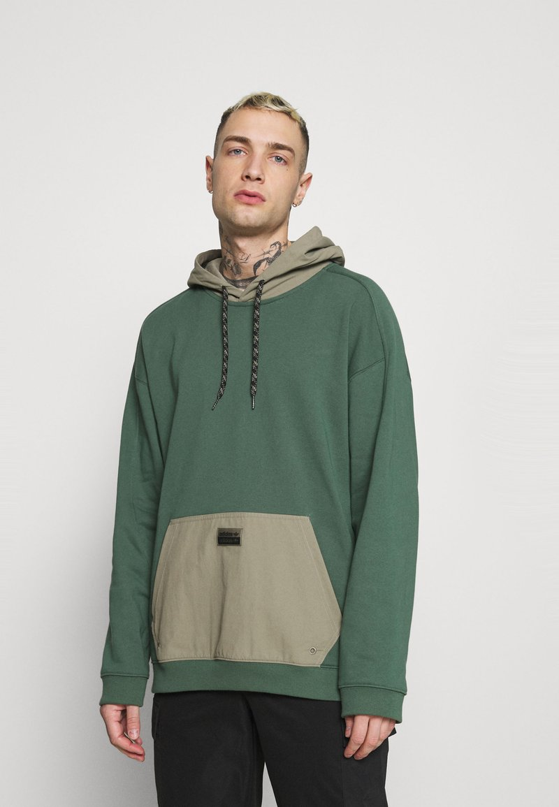 adidas Originals - UTILITY HOODY - Sweatshirt - green oxide/clay