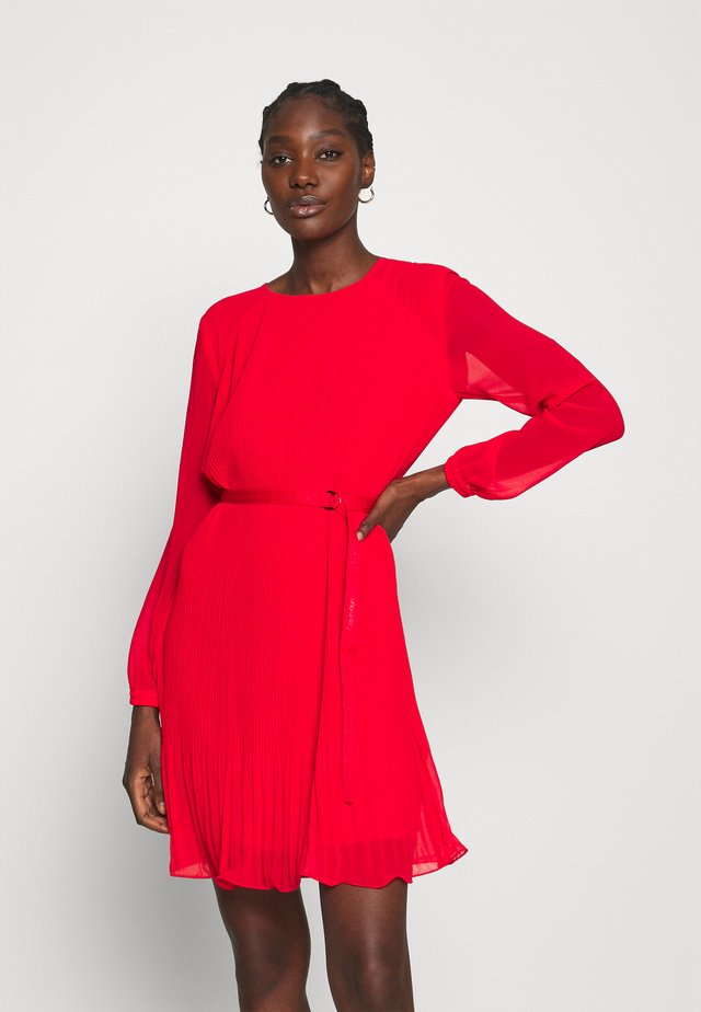 PLISSE DRESS - Day dress - red glare
