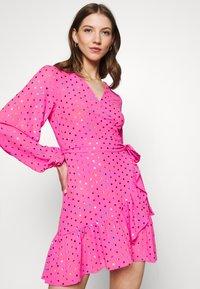 Never Fully Dressed - RAINBOW SPOT MINI DRESS - Denní šaty - pink - 3