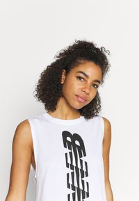 New Balance - RELENTLESS CINCHED BACK GRAPHIC TANK - Top - white - 3