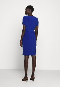 Lauren Ralph Lauren - ALEXIE SHORT SLEEVE DAY DRESS - Etuikjole - summer sapphire - 2