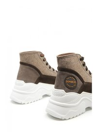DOMBERS - UNIVERSE - High-top trainers - marrón oscuro - 3