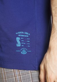 Scotch & Soda - CLASSIC CREWNECK TEE - T-shirt basic - worker blue - 5