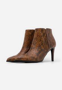 Vero Moda - VMLIZA  - High heeled ankle boots - cognac - 2