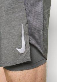 Nike Performance - SHORT - Sports shorts - iron grey - 5