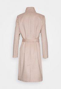Bruuns Bazaar - JASMINA PERLE COAT - Klasický kabát - roasted grey khaki - 9
