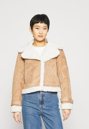 SHEARLING AVIATOR SHORT - Winter jacket - brown