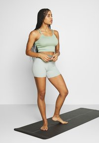 Cotton On Body - SEAMFREE STRAPPY VESTLETTE - Top - washed aloe - 1