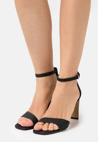 Call it Spring - OLLILLE - Sandály - black - 0